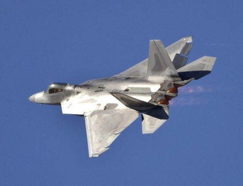 Milwaukee Air & Water Show Adds F-22 Demo Team to Lineup